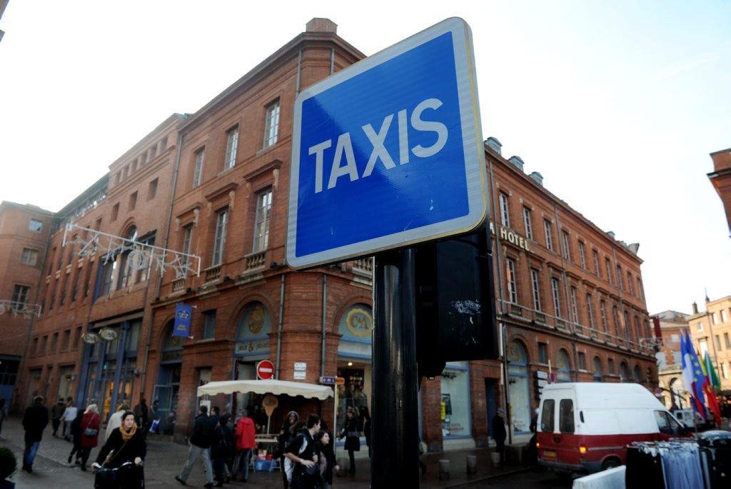 Taxi lade pe che sat31